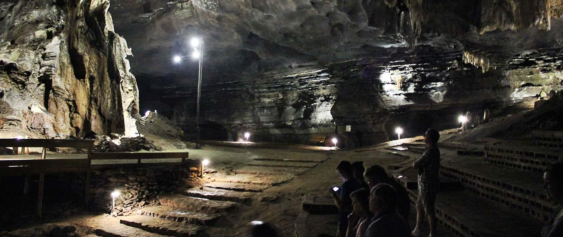 Un viaggio al centro della Terra nelle Grotte di Sudwala | Avventura | Attrazioni | Storia | Percorsi | A buon mercato | Famiglia | Bambini | Mpumalanga | Natura incontaminata (IT)